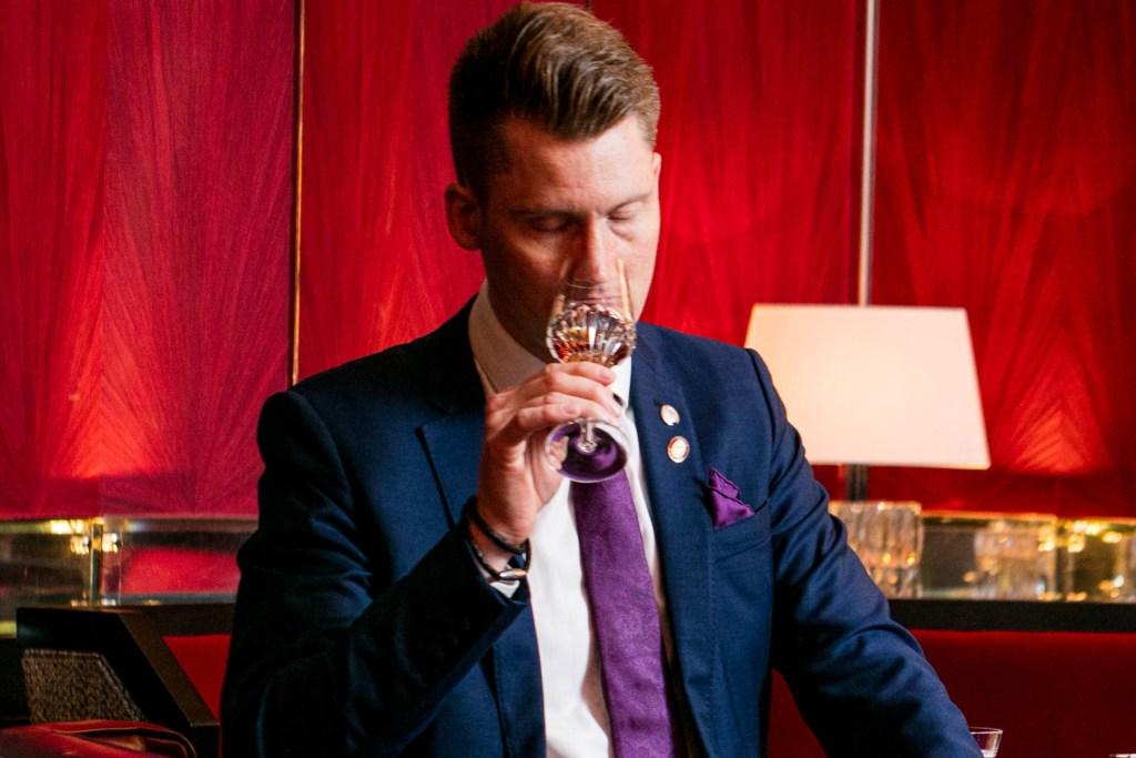 Stefan Neumann MS tasting at an event